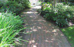 brick walkway - serpentine